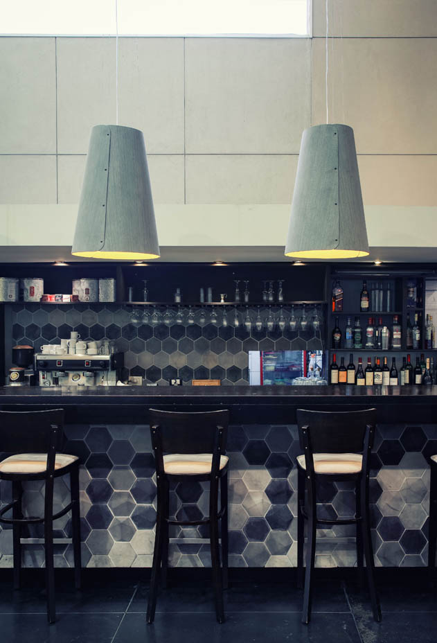 MAIN-vertical-cafe1