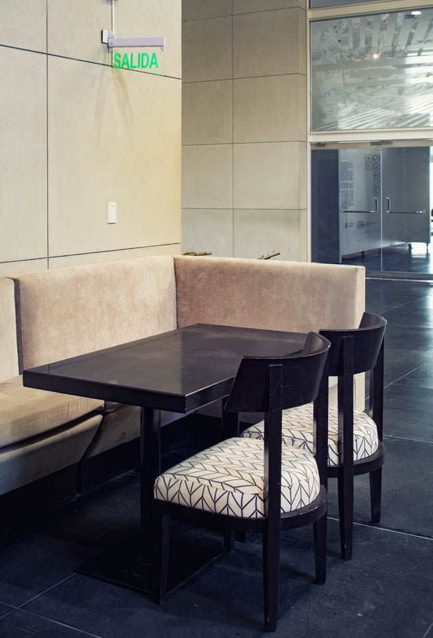 MAIN-vertical-cafe2